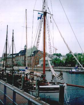 Klar zum Auslaufen im Museumshafen Rostock