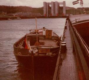 Vor dem Schiffshebewerk