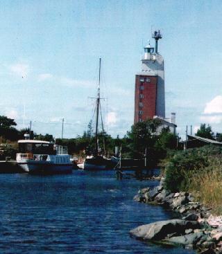 Auf der Leuchtturminsel Kylmäpihlaja