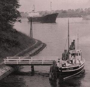 Frau Wirtin auf Passage durch den Nord-Ostsee-Kanal